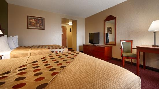 Best Western Luxbury Inn Fort Wayne: Recently renovated 2 Queens Room