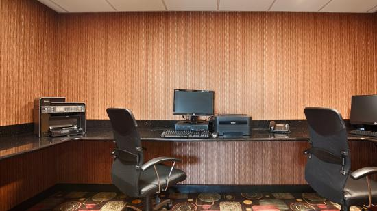 Best Western Luxbury Inn Fort Wayne: New Business center with Computer, Printer, Fax and Scanner