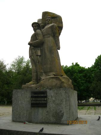 Monument to Podtelkov and Krivoshlykov