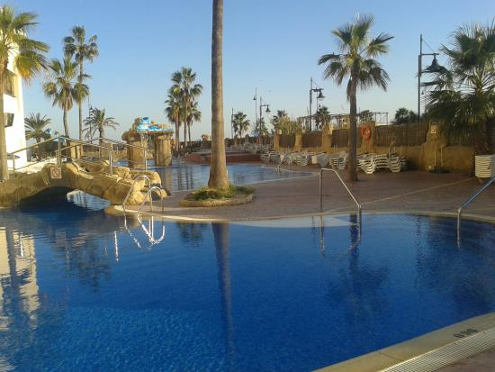 Marconfort Beach Club Hotel: Lovely pool area
