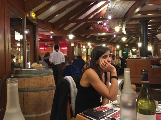 vue int rieure du restaurant picture of courtepaille la. Black Bedroom Furniture Sets. Home Design Ideas