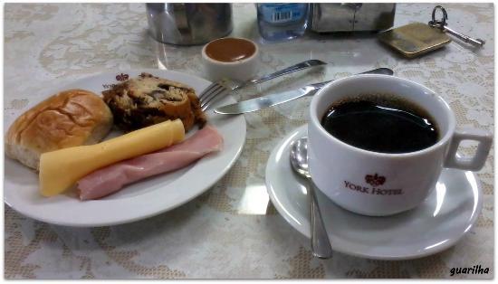 Hotel York: O café da manhã é um dos pontos altos