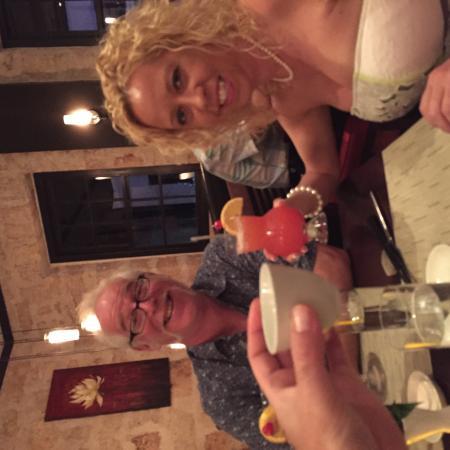 Nishi Restaurant: Cheers!