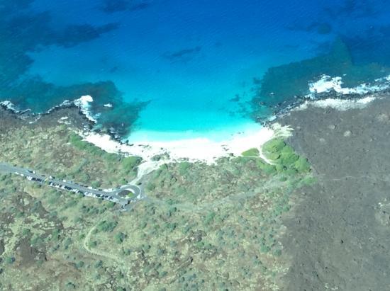 Manini'owali Beach (Kua Bay): Kua Bay from our flight out of Kona airport