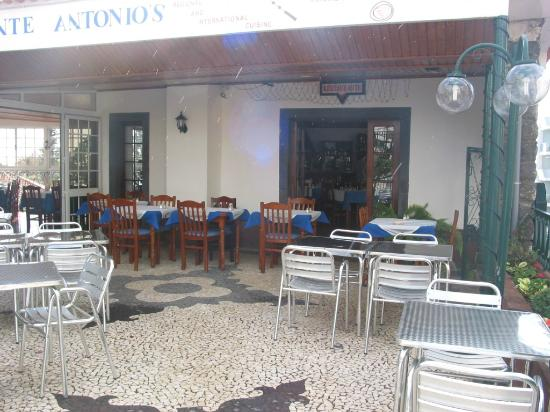 Antonio's : The outside area