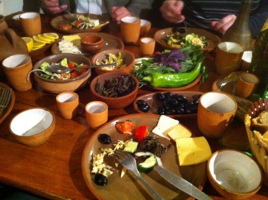 Mer Gyugh / Our Village Restaurant : Вечерний стол