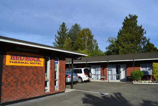 Red Rock Thermal Motel: Exterior del motel