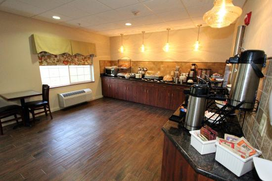 Best Western Lawrenceburg Inn : Join us for a Hot Breakfast Served Daily 5:30 - 9:30am