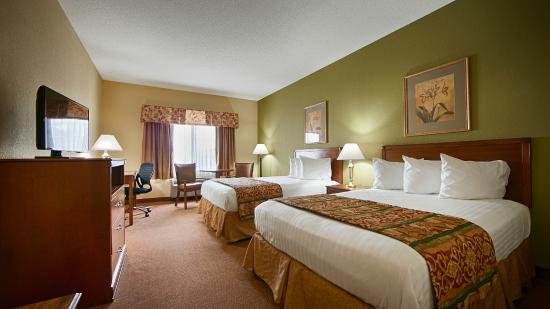 BEST WESTERN Lawrenceburg Inn: Stretch out in a room with 2 Double Beds. High Speed Wifi and Hot Breakfast included.