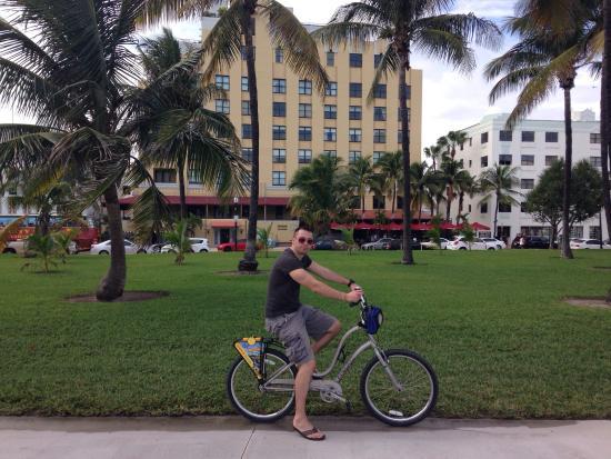 Bike and Roll Miami: Ocean drive!!