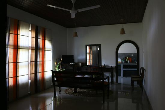 Villa Balapitiya Beach: Living room