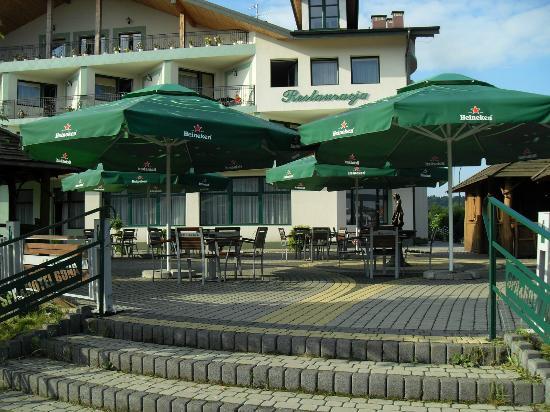 Hotel Bona: Front hotelu