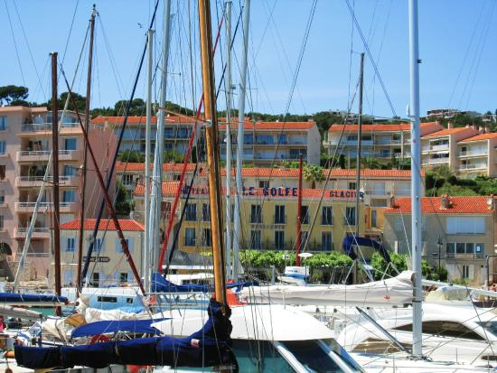 Hotel Le Golfe: Our hotel from across the harbor.