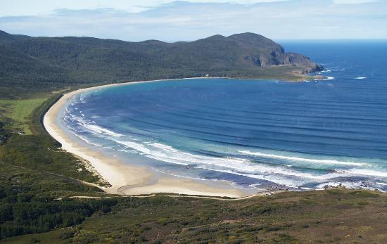 Bruny Island Safaris: Remote pristine beaches of Tasmania, Bruny Island