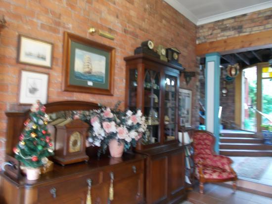 The Old Bakery Inn: Foyer area