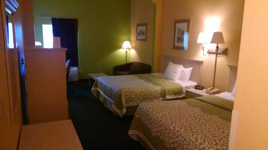 Days Inn & Suites Murfreesboro: Double Bed Room