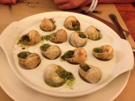 Les Sagnes: Gorgeous snails! Never had them before but beautiful!!!
