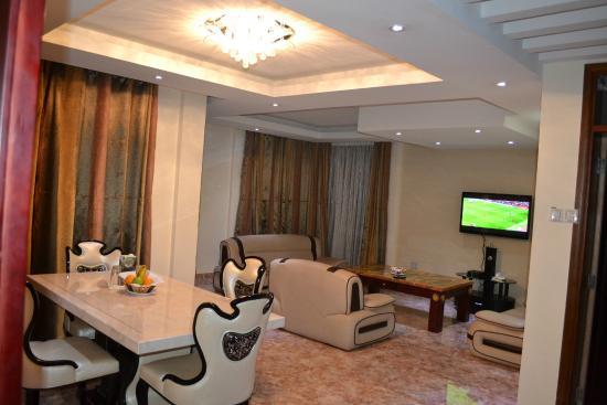 Sitting Room - Picture of Valencia Kampala, Kampala - TripAdvisor