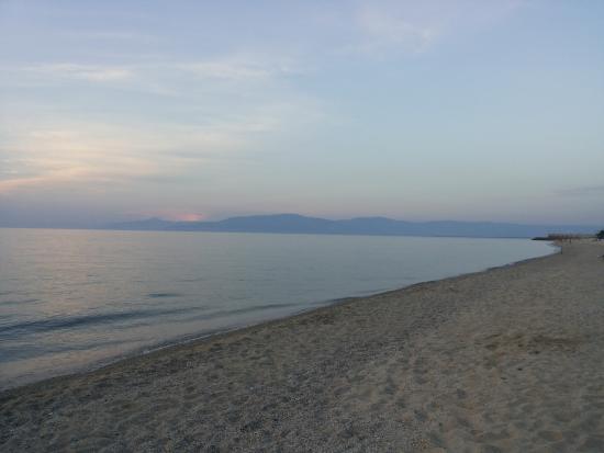 Vibo Marina, Italy: la spiaggia vicino l'hotel