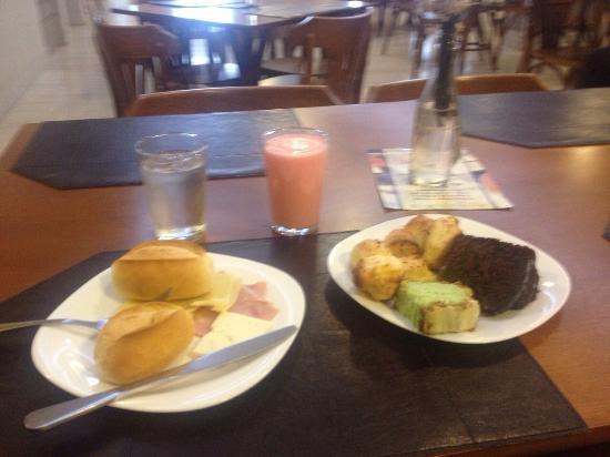 Vivant Suites Hotel : Café da manhã