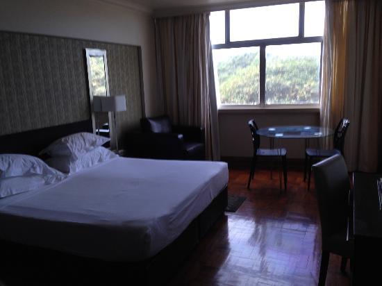 Belaire Suites: Bedroom