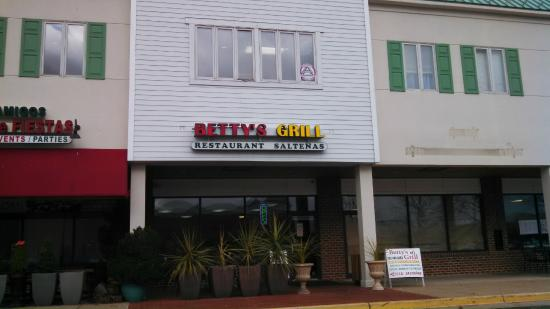 betty's Grill-Saltenas