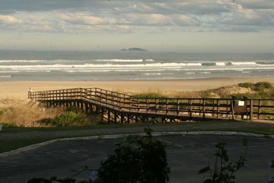 Praia Hotel Imbituba: vista do quarto terreo de frente para o mar