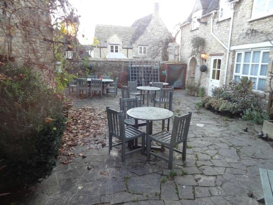Burford House : Patio outside