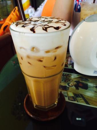Mr Tan Coffee House: Iced Cappuccino