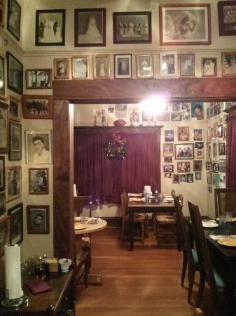Carmines Italian Restaurant