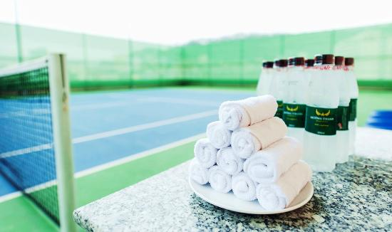 Muong Thanh Luxury Quang Ninh Hotel : Tennis court