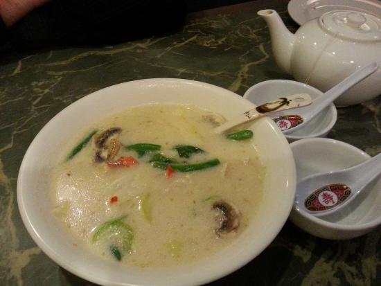 Far East Restaurant: Excellent = Tom Yum Coconut Milk Soup!