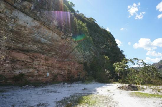 """Barao De Cocais, MG : Vista da """"PEDRA PINTADA"""""""