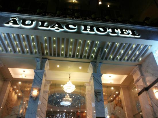 Au Lac II Hotel: название отеля