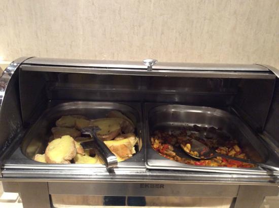 Eurostars Hotel Old City : Hot dishes