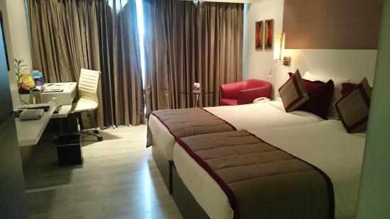 Majestic Court Sarovar Portico: Well organised room
