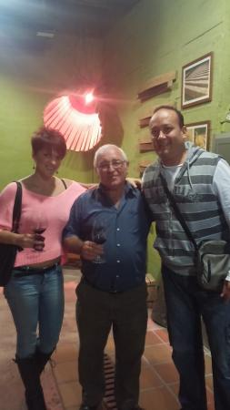 Bodegas Enrique Mendoza: Con el maestro