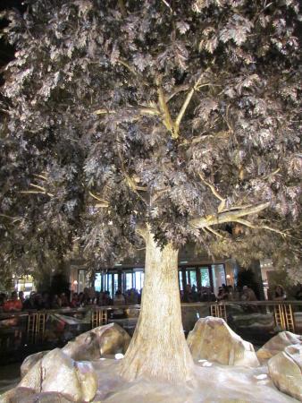 Tree of Prosperity (Wynn Macau): silver