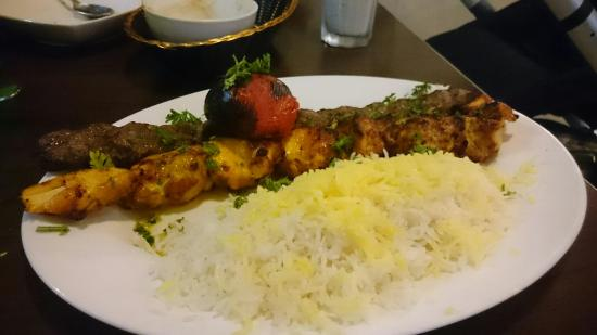 Shiraz Authentic Persian Restaurant: Mix kebab kobedah +jogeh