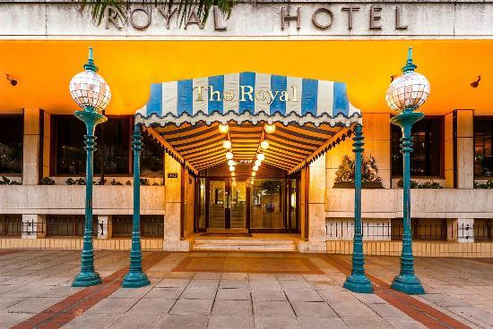 Royal Hotel: Front entrance