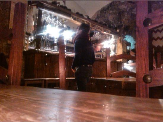 La Taverna del Metallo: Bancone