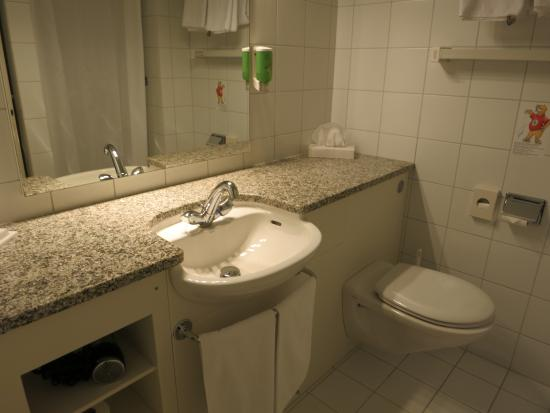 Hotel Baren am Bundesplatz: Bathroom