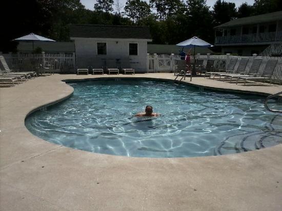 Ne'r Beach Motel: Pool