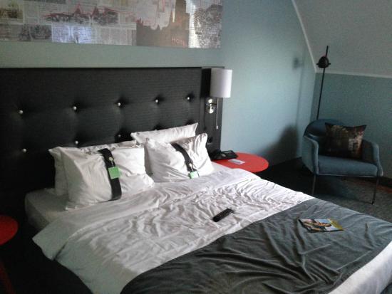 Holiday Inn Luebeck : Neuer Wohnbereich