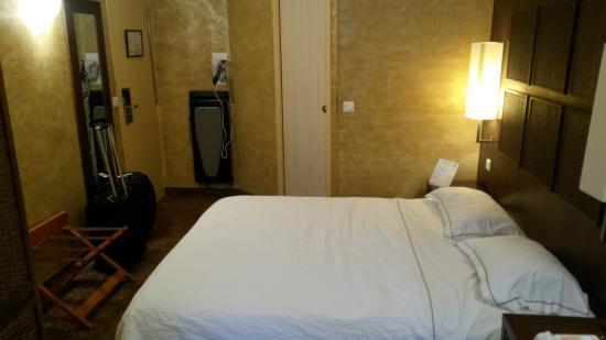 Hôtel du Vieux Saule: room 305