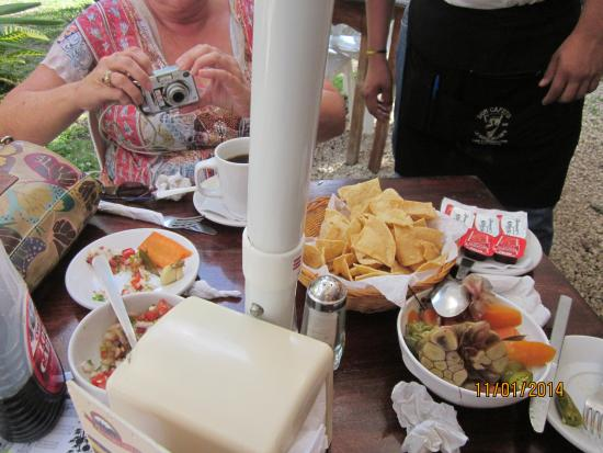 Don Cafeto Mar Caribe wonderful bruch before ruins Tulum