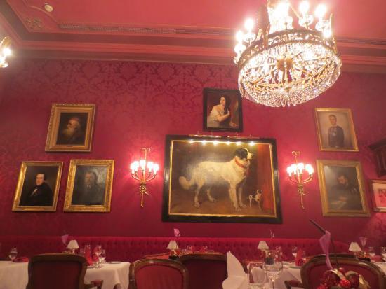 Restaurant Rote Bar: Le décor