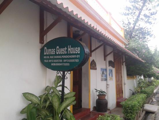 Dumas Guest House: Front
