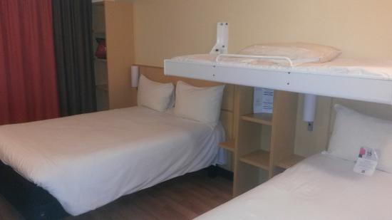Chambre familiale 4 personnes fotograf a de ibis paris - Hotel lyon chambre 4 personnes ...