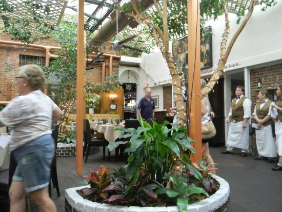 Park Plaza Gardens : Area interna